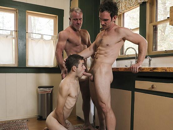 Family Nudists thumbnail 1